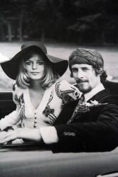 Bruidsmode in de hippietijd